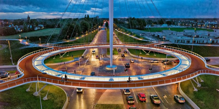 Multi-level cycling crossing in Veldhoven, the Netherlands (Source: http://bit.ly/1meo4Nj)